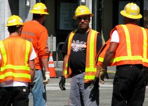 872475_construction_workers.jpg