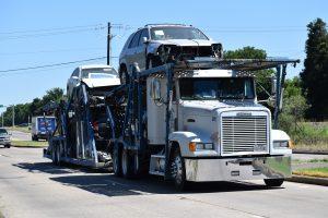 car-transport-truck-5291962_1920-300x200