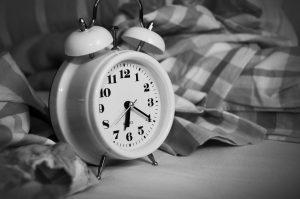 alarm-clock-1193291_1920-300x199